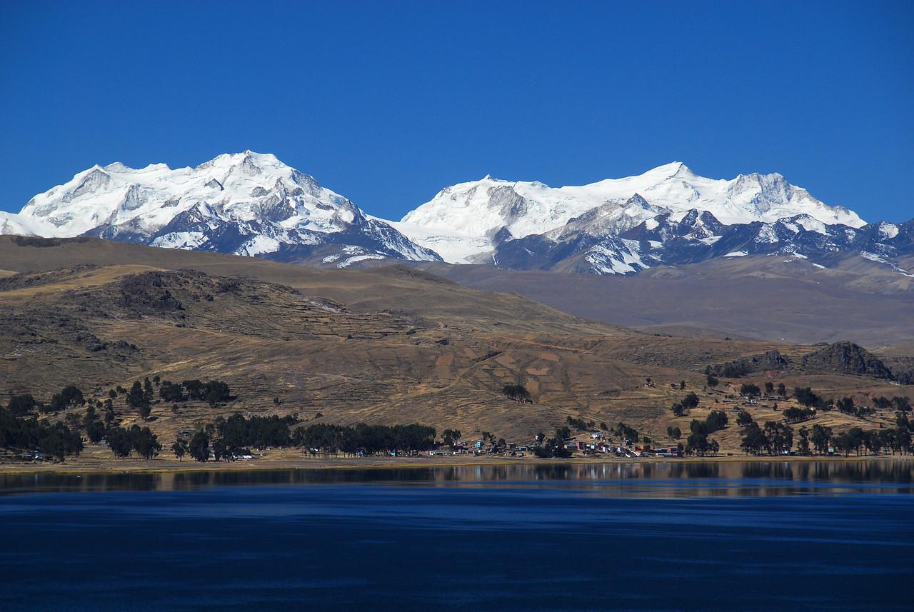 Lago Titicaca. La Paz - Copacabana road