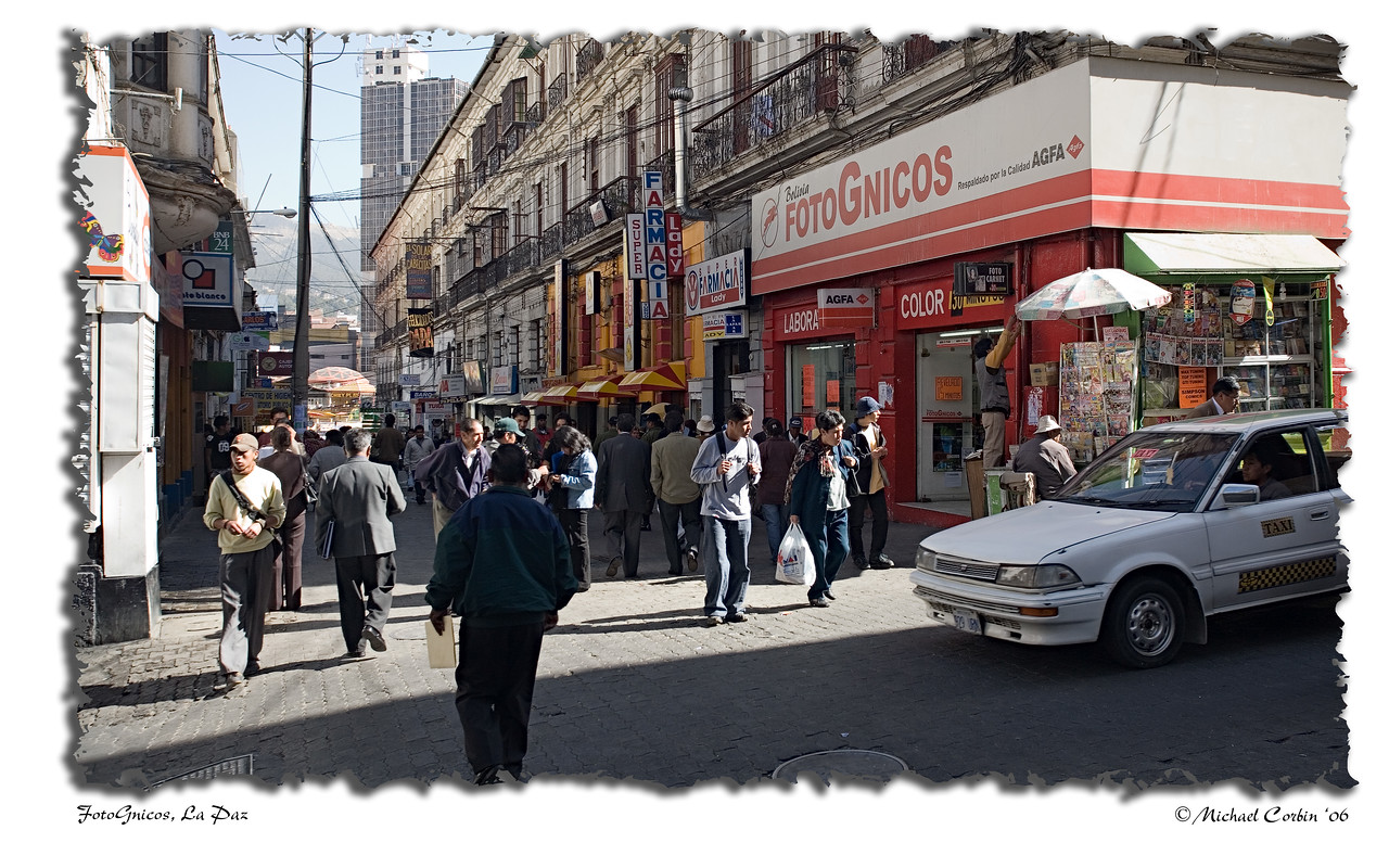 Photognicos - street scene in downtown La Paz.
