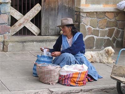 Straatverkoopster in Tarabuco, Bolivia.