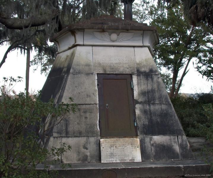 The Mongin-Blodgett mausoleum