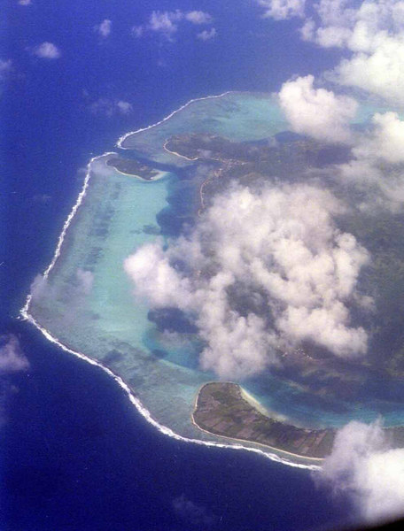 Flying from Papetee, Tahiti to Bora Bora
