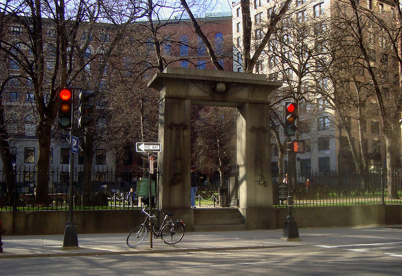 The entrance to the Granery Burial Ground, where Paul Revere, John Hancock and Ben Franklin's parents are buried