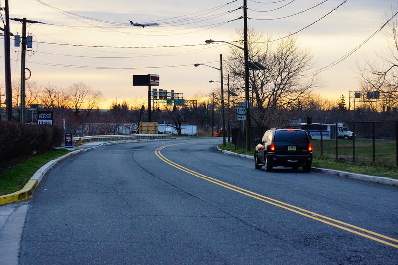 Andra vändpunkten, en busshållplats borta i kurvan.