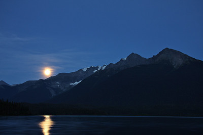 The sky cleared up on Sandy Lake for an amazing moon rise.