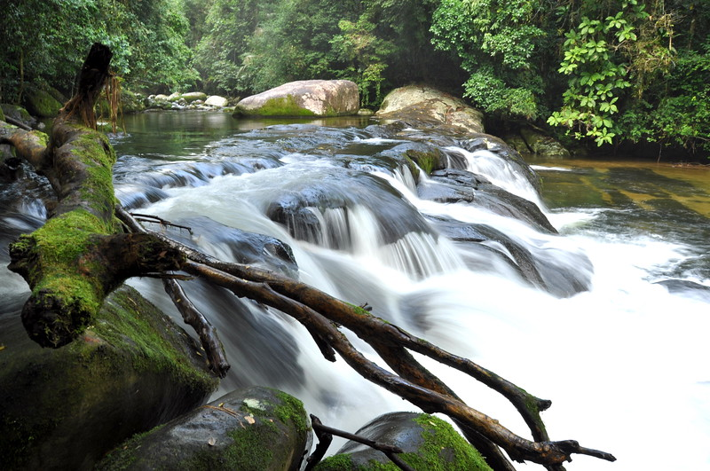 This fall is upstream from the Casa de Farinha.