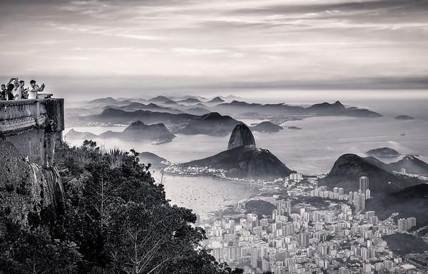 Vista do Rio em Branco e Preto