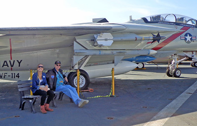 Eline and Mike relax under a Tomcat F-14