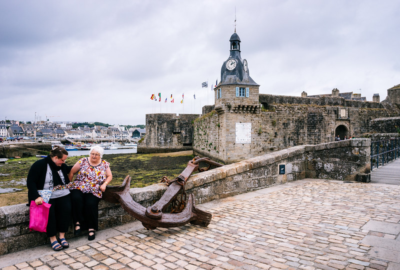Old ladies in Concarneau