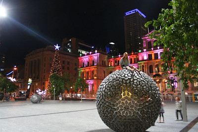 Brisbane Square at Christmas time. On the background the Condrad Casino on the right and former Bank of New South Wales (Westpac) on the left.