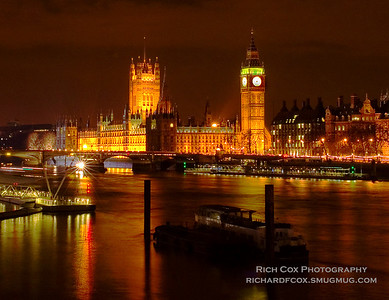 Patliament from across the Thames at night