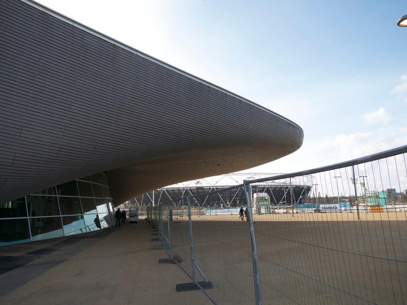 Swim stadium edge and Stadium