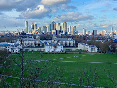22 The Old  Royal Naval College and Canary Wharf