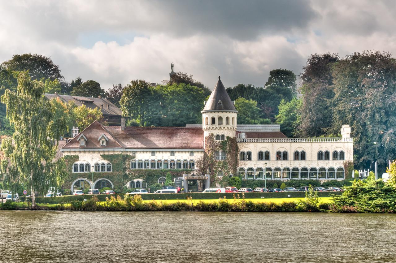 Chateau du Lac