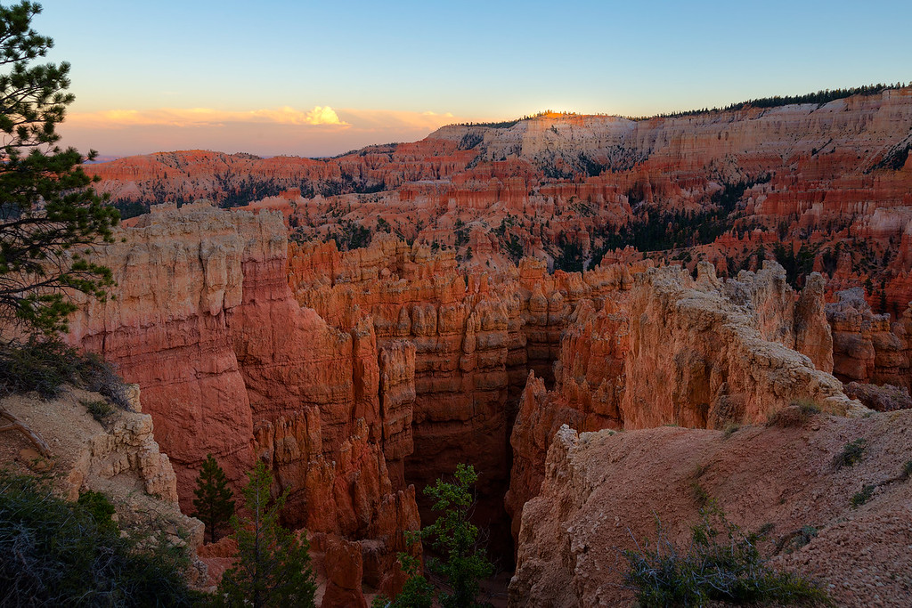 Last light on Bryce Point