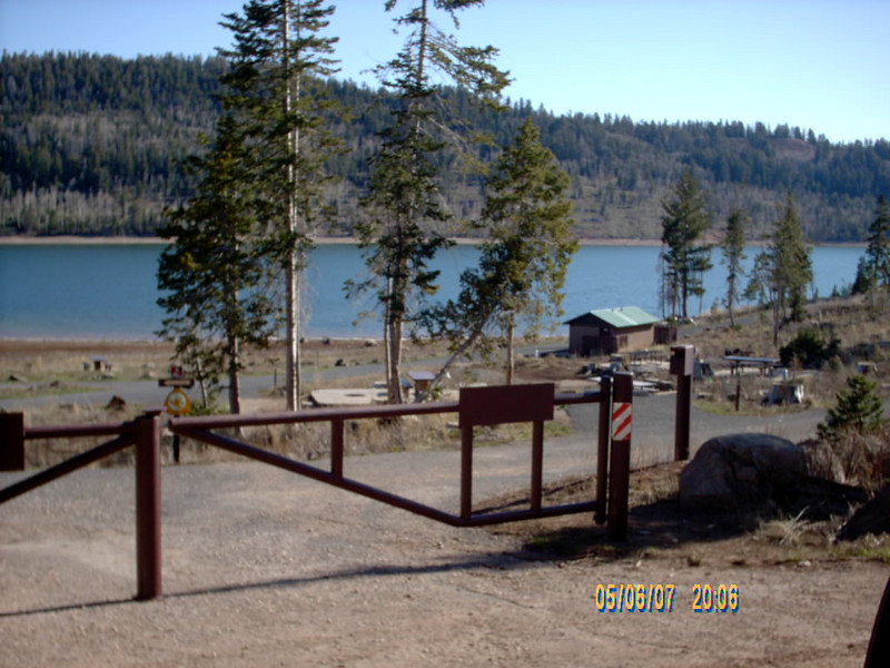 We drove down to Navajo Lake to check out the campgrounds, they are closed this time of the year.