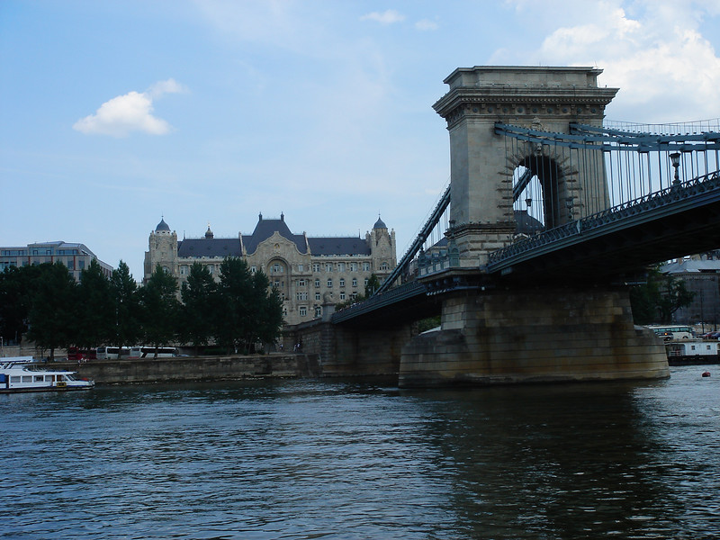 Chain Bridge and Four Seasons hotel