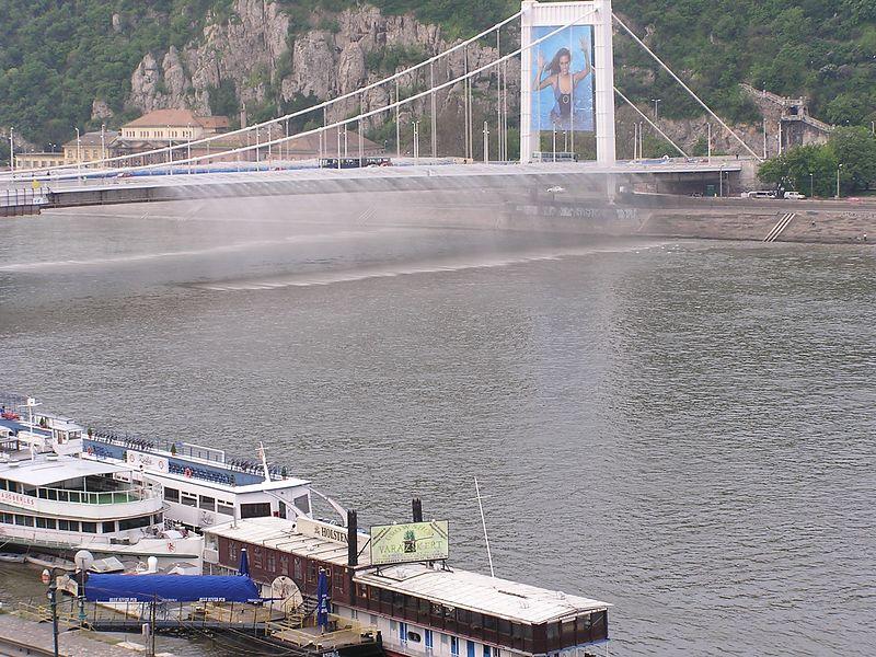 Elisabeth Bridge with water fall from bridge