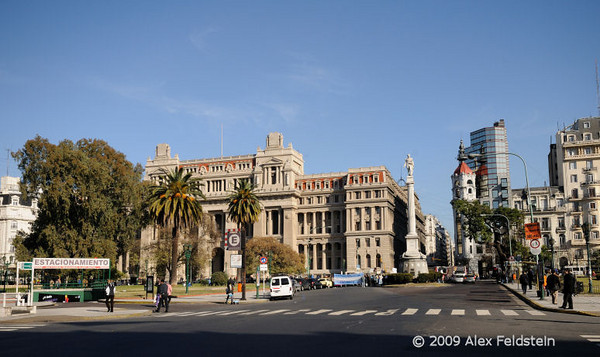 Palace of Justice and Juan Lavalle's monument