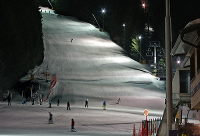 One of the pistes is floodlit.