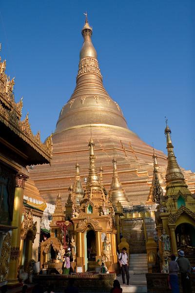 Shwedagon Paya a.k.a. Shwedagon Pagoda or Shwedagon Zedi Daw, Yangon