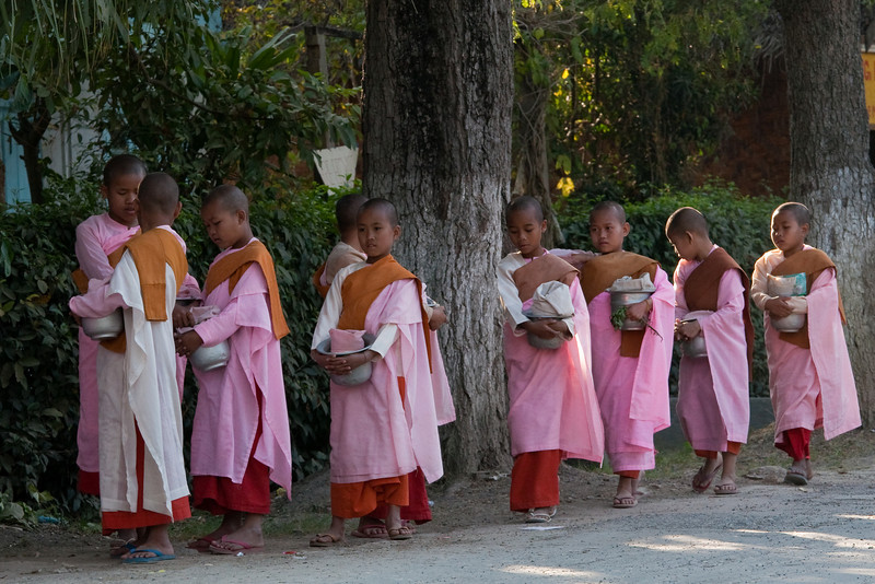 Nuns at Nyaungshwe