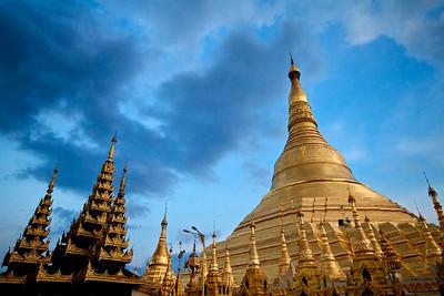 Shwedagon pagoda, Yangon (Rangoon).