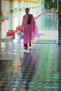 Burma is dominated by Buddhism, we visited many monasteries. The nuns all wear a shade of pink.