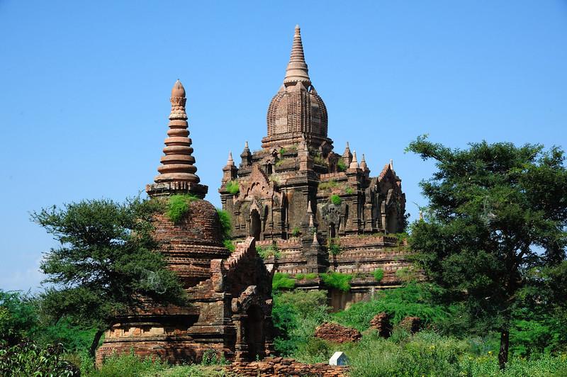 Stupas east of New Bagan