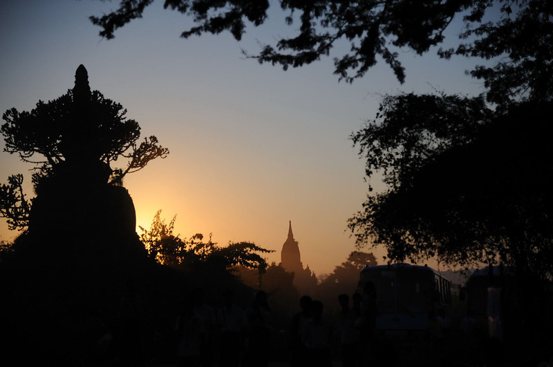 Temples and Stupas of Old Bagan from Shwe San Daw Pagoda.