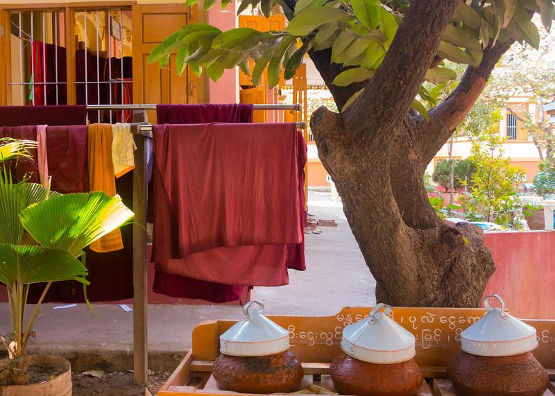 Mandalay, monastery