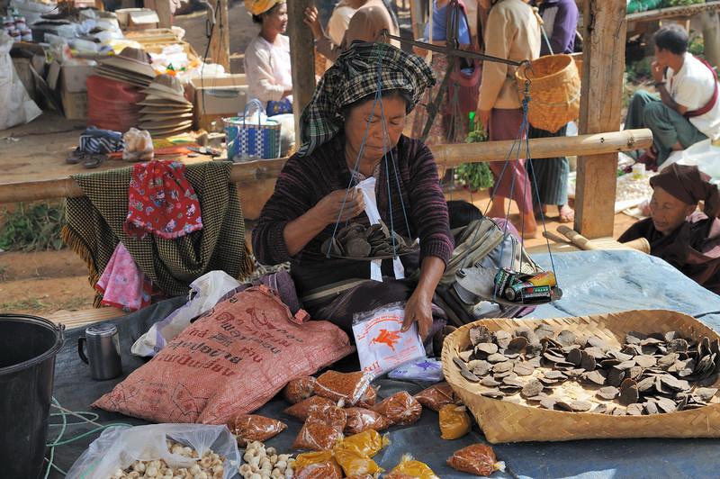 Market in Pindaya