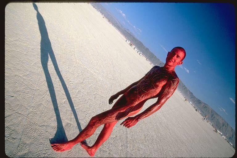 Nude shadow red human