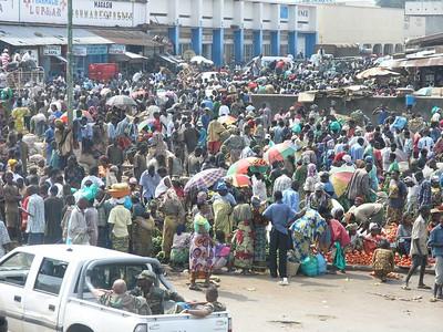 Crowd at Bujumbura's main market.