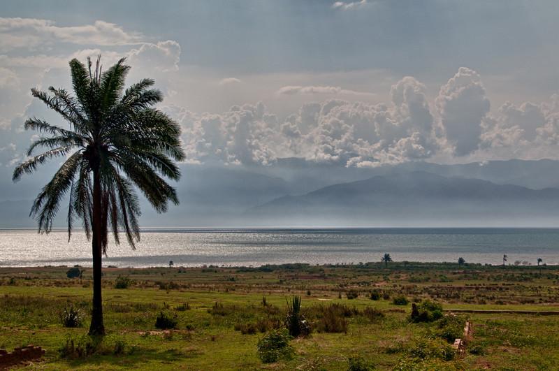 Tanganjikasee, Berge vom Kongo im Hintergrund