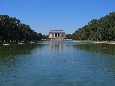 Reflecting Pool and Lincoln Memorial