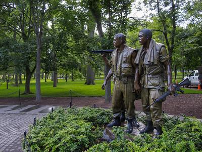 Vietnam Servicemen Statue