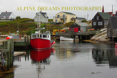 BOATS & BUILDINGS IN PEGGYS COVE