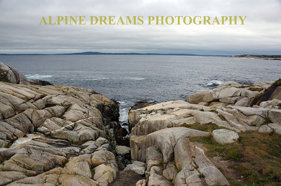 FRACTURES AND GRANITE IN PEGGYS COVE