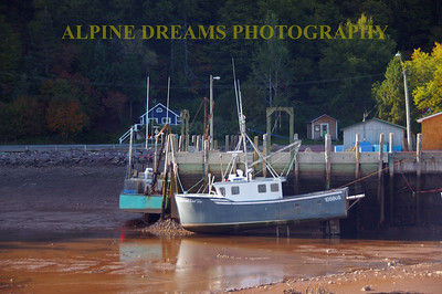 TIDAL LOW OF 28FEET BAY OF FUNDY