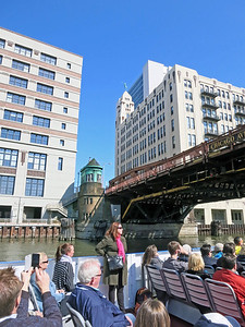17-Chicago Ave bridge and tender house