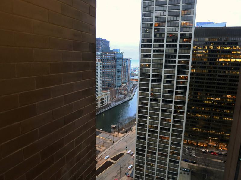 2-Chicago River from Hyatt Room 3002: Sheraton office building, residential condos. E. Wacker Drive below.