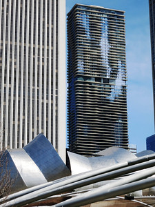 22-Standard Oil (Aon, left); Aqua (2009, 859 ft.), seen above Jay Pritzker Pavilion at north end of Millennium Park.