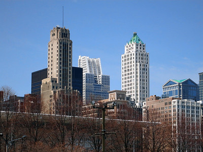 34-Chicago Title and Trust (white lattice), Pittsfield Bldg (green roof near center: 1927, 551 feet).