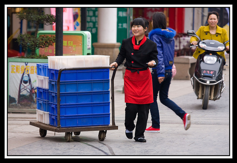 Restaurant worker, Guilin...