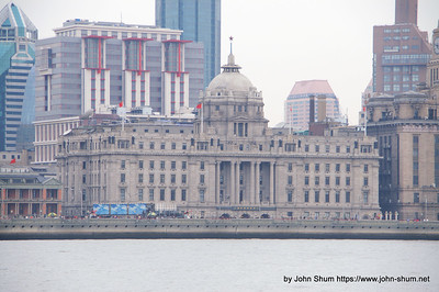 回望外灘的舊上海匯豐總行 (攝於:上海)