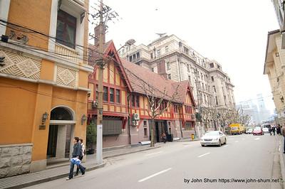 不難發現有些古舊西式民房 (攝於:上海)