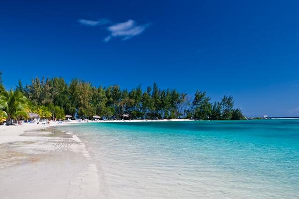 BEACH AT FANTASY ISLAND, ROATAN