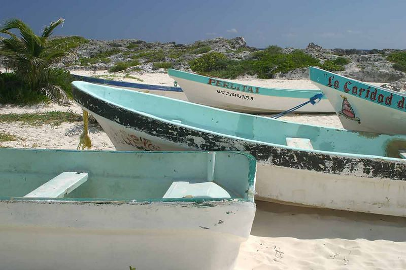 BOATS ON COZUMEL BEACH