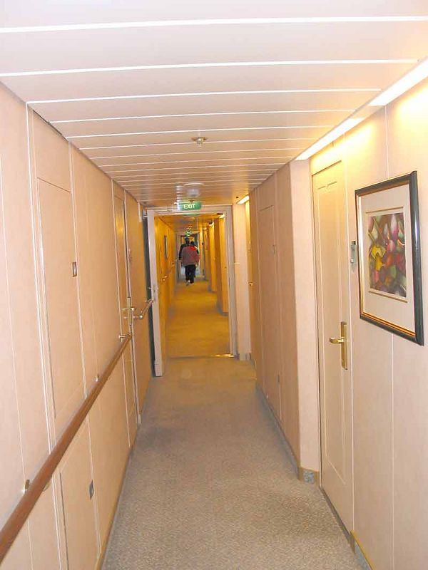 HALLWAY BETWEEN STATEROOMS-DECK 2
