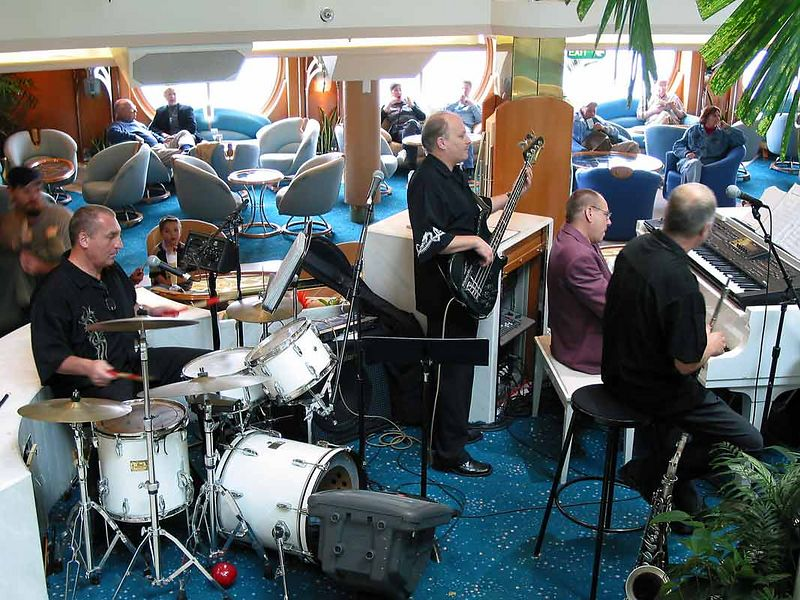 JAZZ QUARTET IN CENTRUM LOBBY